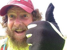 Atleta britannico corre 42km al giorno per 42 giorni per ricordare il piccolo Thomas