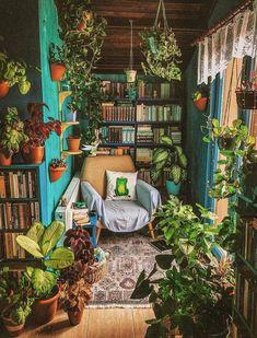 Bookshelf Inspiration, Interior Inspiration, Room Inspiration, Mundo Hippie, Cool Bookshelves, Bookshelf Ideas, Bookshelf Styling, Book Shelves, Room With Plants