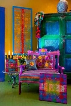 French Bohemian Decor I am attracted by the saturated color. Drenched in hues. Bohemian Design, Bohemian Style, Boho Chic, French Bohemian, Boho Gypsy, Shabby Chic, Bohemian Living, Bohemian Bedrooms, Bohemian Interior