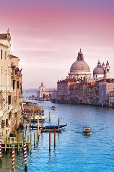 Dream Wedding Destination: Venice, Italy. Can it get any more romantic than that? <3