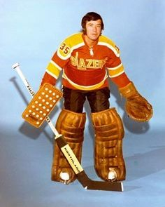 Vancouver Blazers 1973 75 Away Road Jersey Uniform wha Flyers Hockey, Hockey Goalie, Hockey Games, Hockey Players, Ice Hockey, Field Goal Kicker, Jersey Uniform, Vancouver Canucks, Football Memes