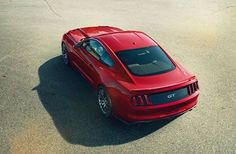 2015 Ford Mustang, they've gone back to the original curved back!