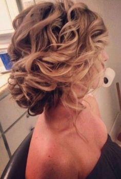 Loose, soft updo awesome bridesmaid hair do Wedding Hair And Makeup, Hair Makeup, Makeup Hairstyle, Soft Updo, Messy Updo, Loose Updo, Soft Curls, Updo Curly, Curly Updos For Medium Hair