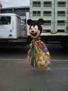 Piñata globeri mickey