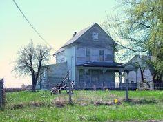 abandoned victorian farmhouses
