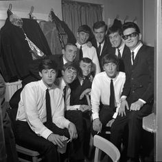 Richard Starkey, Paul McCartney, George Harrison, John Lennon, and Roy Orbison Jerry & the Pacemakers Roy Orbison, Liverpool, Gerry And The Pacemakers, Art Of The Title, Mejores Series Tv, Richard Starkey, Travelling Wilburys, The Fab Four, National Portrait Gallery