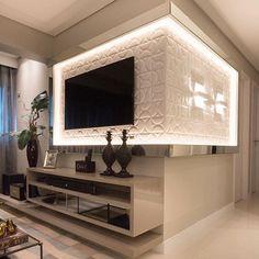 E este painel de tv?! Amei! Projeto Camila e Giovanna Via @maisdecor_ www.homeidea.com.br Face: /homeidea Pinterest: Home Idea #homeidea #arquitetura #ambiente #archdecor #archdesign #projeto #homestyle #home #homedecor #pontodecor #homedesign #photooftheday #interiordesign #interiores #picoftheday #decoration #revestimento #decoracao #architecture #archdaily #inspiration #project #regram #home #casa #grupodecordigital