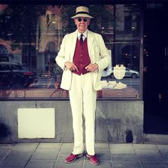 Efficient shopping by @vintagemannen. Came in for a pocket square, went out 2 minutes later with a very red waistcoat.  #vintage #menswear #menssuit #linensuit #mensvintage #mensvintagesuit #vintageclothing #vintagestyle #panamahat #waistcoat #dapper #dandy #welldressed