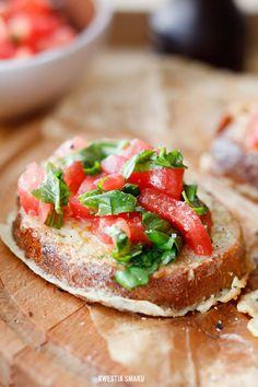 Bruschetta z pomidorową salsą, polish, kw. Savory Breakfast, Sweet Breakfast, Breakfast Recipes, Other Recipes, Great Recipes, Favorite Recipes, Healthy Recipes, Bruschetta, Yummy Snacks