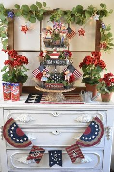 DIY Patriotic Three Tiered Stand/Tray - Fourth of July Decor Fourth Of July Decor, 4th Of July Decorations, 4th Of July Party, July 4th, Holiday Decorations, Holiday Ideas, Patriotic Crafts, July Crafts, Summer Crafts