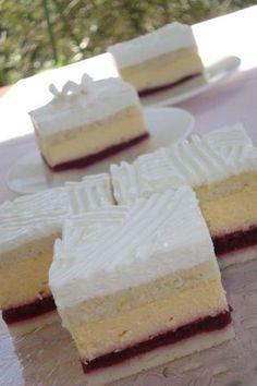 Višňové kocky s vanilkovým krémom, po ktorých sa len tak zapráši Cheesecake Recipes, Tiramisu, Feta, Camembert Cheese, Sweet Tooth, Sweet Treats, Food And Drink, Snacks, Baking