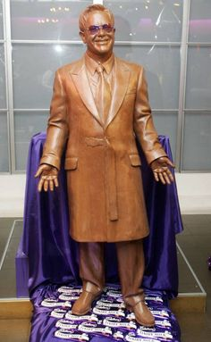 Elton John made entirely out of chocolate