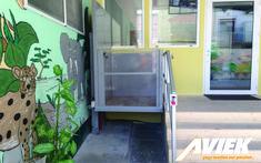 Ανελκυστήρας ΑμΕΑ για χαμηλά ύψοι από την Aviek. Easy