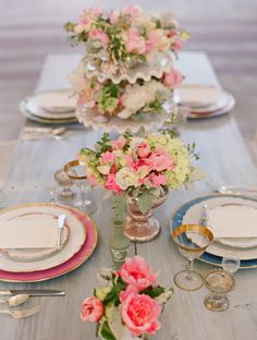 Love the vintage vibe of this exquisite table setting