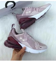 25 Air Max 270 Pink Air Max 270 Pink The post 25 Air Max 270 Pink appeared first on Nike Schuhe. Hype Shoes, Women's Shoes, Me Too Shoes, Shoe Boots, Shoes Sneakers, Pink Shoes, Sneakers Mode, Sneakers Fashion, Fashion Shoes