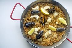 Monkfish and mussel paella 1 Spanish Paella, Fennel Salad, Fish Stock, Shellfish Recipes, Risotto Recipes, Plum Tomatoes, Mussels, Stuffed Green Peppers, Food Inspiration