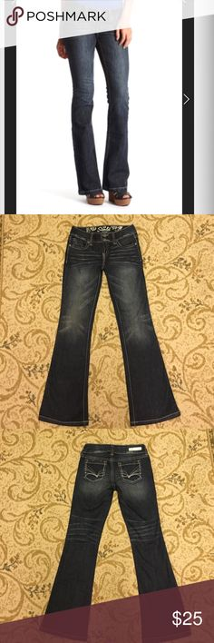 Dark wash flare/boot cut jeans,refuge pop starlit. These are dark wash flare jeans in great condition! Refuge pop starlit size 4R Like new! refuge Jeans Flare & Wide Leg