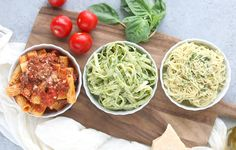 3 Homemade Pasta Sauce Recipes: Red Meat Sauce, Pesto & Aglio e Olio Healthy Foods To Eat, Healthy Recipes, Keto Recipes, Pasta Sauce Recipes, Pesto Sauce, Homemade Pasta, Curry Recipes, How To Cook Pasta, Pasta Dishes