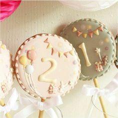 アイシングクッキー Cookies For Kids, Fancy Cookies, Yummy Cookies, Sugar Cookie Frosting, Royal Icing Cookies, Sugar Cookies, Candy Packaging, Paint Cookies, Royal Icing Decorations