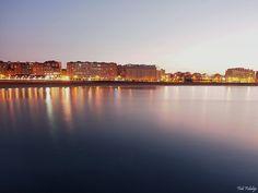 Gijon con el mar de plata by Fidi Fidalgo on 500px