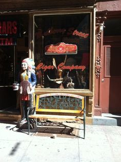 Shopfront Bench in front of Mulberry Street Cigar Company - 140 Mulberry St, New York, NY - Photo: Ger Shivnan