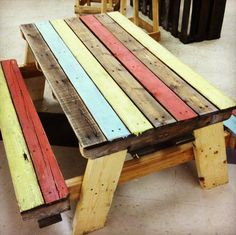 DIY Well Designed Pallet Picnic Bench | DIY and Crafts