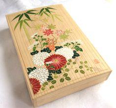 桐箱 絵付け Japanese Painting, Japanese Art, Diy And Crafts, Arts And Crafts, Japanese Embroidery, Marquetry, Tole Painting, Japan Fashion, Washi