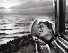 Photographer: Gary Winogrand. Photo of Elliot Irwin, California, 1945