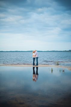 Beautiful beach engagement   Photo by Eternal Light Photography
