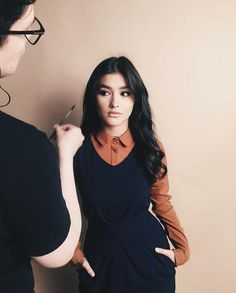 "Liza Soberano Fans  Oct 6 "" Effortlessly posing for… Fashion Models, Fashion Beauty, Imperfection Is Beauty, Cute Beauty, Celebs, Celebrities, Woman Crush, Fall Hair, Pretty People"