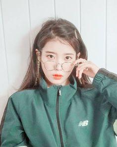 Kpop Girl Groups, Kpop Girls, Ulzzang, Korean Girl, Asian Girl, Iu Hair, Aesthetic People, Iu Fashion, Beautiful Girl Image