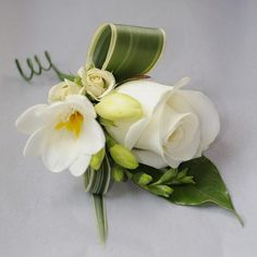 Mother of the bride's buttonhole by whatsthatpicture, via Flickr