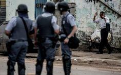 """Nesta semana, um PM foi filmado na zona leste de São Paulo obrigando um jovem negro a gritar aos prantos frases como """"eu sou vagabundo"""" e """"eu não presto"""""""