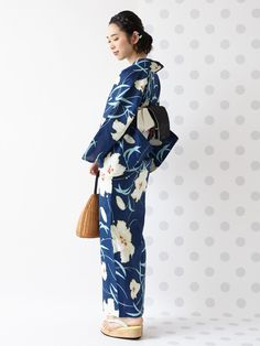 Summer Kimono, Japanese Outfits, Yukata, Traditional Outfits, Fasion, Dresses With Sleeves, Long Sleeve, Model, Collection