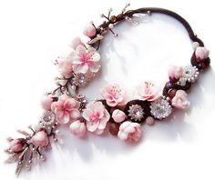 Yuliya Galuschak is a polymer clay jewelry artist from Ukraine. She crafts beautiful pieces of jewelry using beads and clay. Diy Jewelry, Beaded Jewelry, Handmade Jewelry, Beaded Necklace, Jewelry Design, Jewelry Making, Unique Jewelry, Flower Necklace, Soutache Jewelry