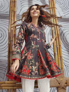casual dresses for women Pakistani Clothes Casual, Simple Pakistani Dresses, Pakistani Fashion Casual, Pakistani Dress Design, Pakistani Outfits, Girls Dresses Sewing, Stylish Dresses For Girls, Stylish Dress Designs, Frock Fashion