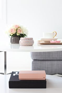 white, pink, gray, linen,   STYLIZIMO BLOG: Summery feeling...