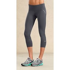 Athleta Capri!  Wouldn't mind if my body looked like her too!  Lol
