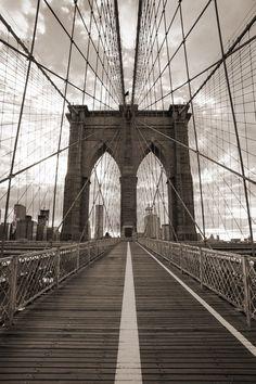 Fototapeta Zmywalna Brooklyn Bridge w Nowym Jorku. sepię. -
