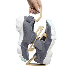 OMNI CLIP Sustainable Shoe Holder by Young Joo Tak
