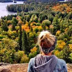 Hiking australia waterfalls 10 Ontario hikes & waterfalls that cant be missed this fall The Little Pink Passport Oh The Places You'll Go, Places To Travel, Places To Visit, Voyage Canada, Ontario Travel, Algonquin Park, Beautiful Waterfalls, Top Of The World, Canada Travel
