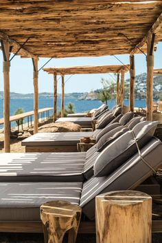 Like an ancient agora (meeting place), the new Scorpios beach club boasts stylish day beds and lounges on open air terraces spread across a peninsula flanked by Kavos and Paraga Beaches on Greece& Mykonos. Beach Club, Beach Bars, Club Mykonos, Mykonos Greece, Mykonos Island, Outdoor Living, Outdoor Decor, Outdoor Furniture, House Architecture