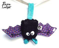 Doudou chauve souris porte bonheur - doudou unique et original- noire, violet et turquoise