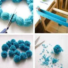 Comment faire un pompon, laine bleue, chaise de bois, ciseau