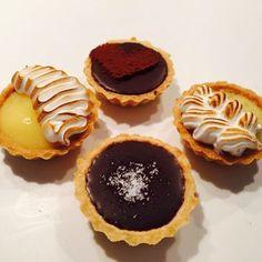 Let's eat Tarts & Pies. Mini Tart, Meringue, Tarts, Pastries, Caramel, Cheesecake, Muffin, Lemon, Chocolate