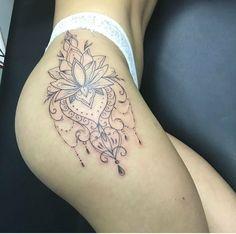 chcemy podzielić się piękne tatuaże jak to z nami i queremos compartir hermosos tatuajes como este Side Hip Tattoos, Hip Thigh Tattoos, Girl Leg Tattoos, Floral Thigh Tattoos, Leg Tattoos Women, Back Tattoo Women, Tattoo Girls, Sexy Tattoos, Body Art Tattoos