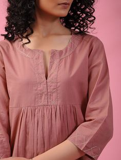 Buy PARI MAHAL - Pink Cotton Kurta with Zari Online at Jaypore.com Pakistani Fashion Casual, Pakistani Dresses Casual, Pakistani Dress Design, Indian Dresses, Dress Neck Designs, Neck Designs For Suits, Designs For Dresses, Blouse Designs, Frock Fashion