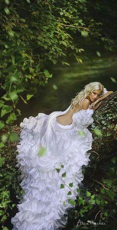 The Enchanted Forest / Modern fairytale / karen cox.  Woodland Bride.