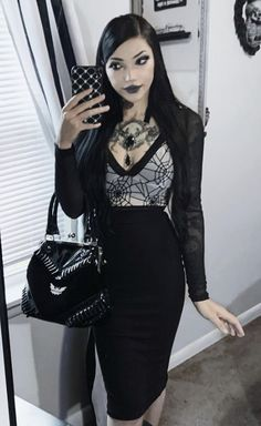 Edgy Work Outfits, Cute Outfits, Dark Fashion, Gothic Fashion, Casual Goth, Goth Aesthetic, Gothic Beauty, Goth Girls, Alternative Fashion