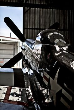 Nice shot of a cherished Mustang love these planes Ww2 Aircraft, Fighter Aircraft, Military Aircraft, Fighter Jets, Mustang P51, Image Avion, Sud Aviation, Ww2 Planes, Nose Art